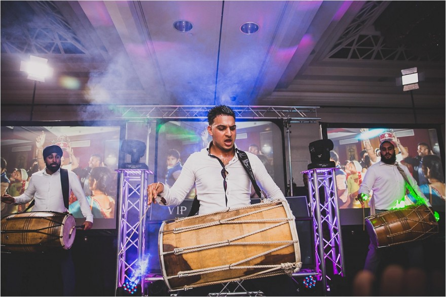 lancaster-hotel-wedding-dhol-players_0025