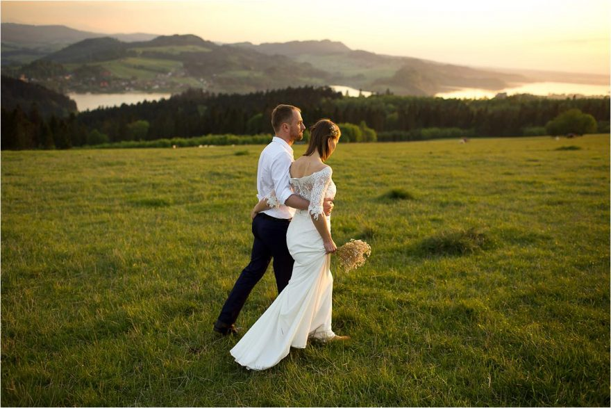 creative-mountain-couple-wedding-photoshoot-9