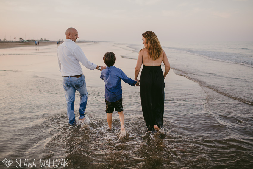 Beach-family-photography-muscat-oman-23