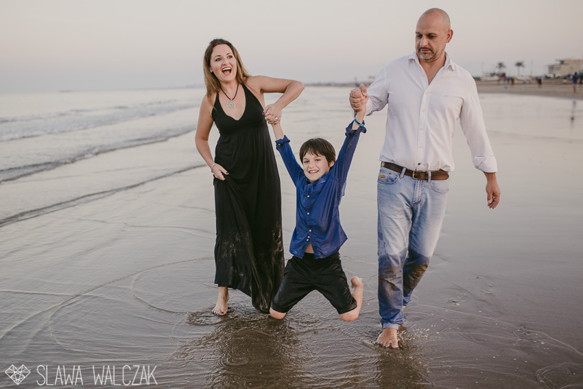 Beach-family-photography-muscat-oman-34