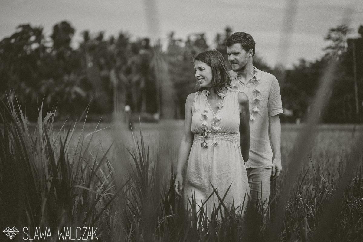ubud bali destination engagement photography in rice fields