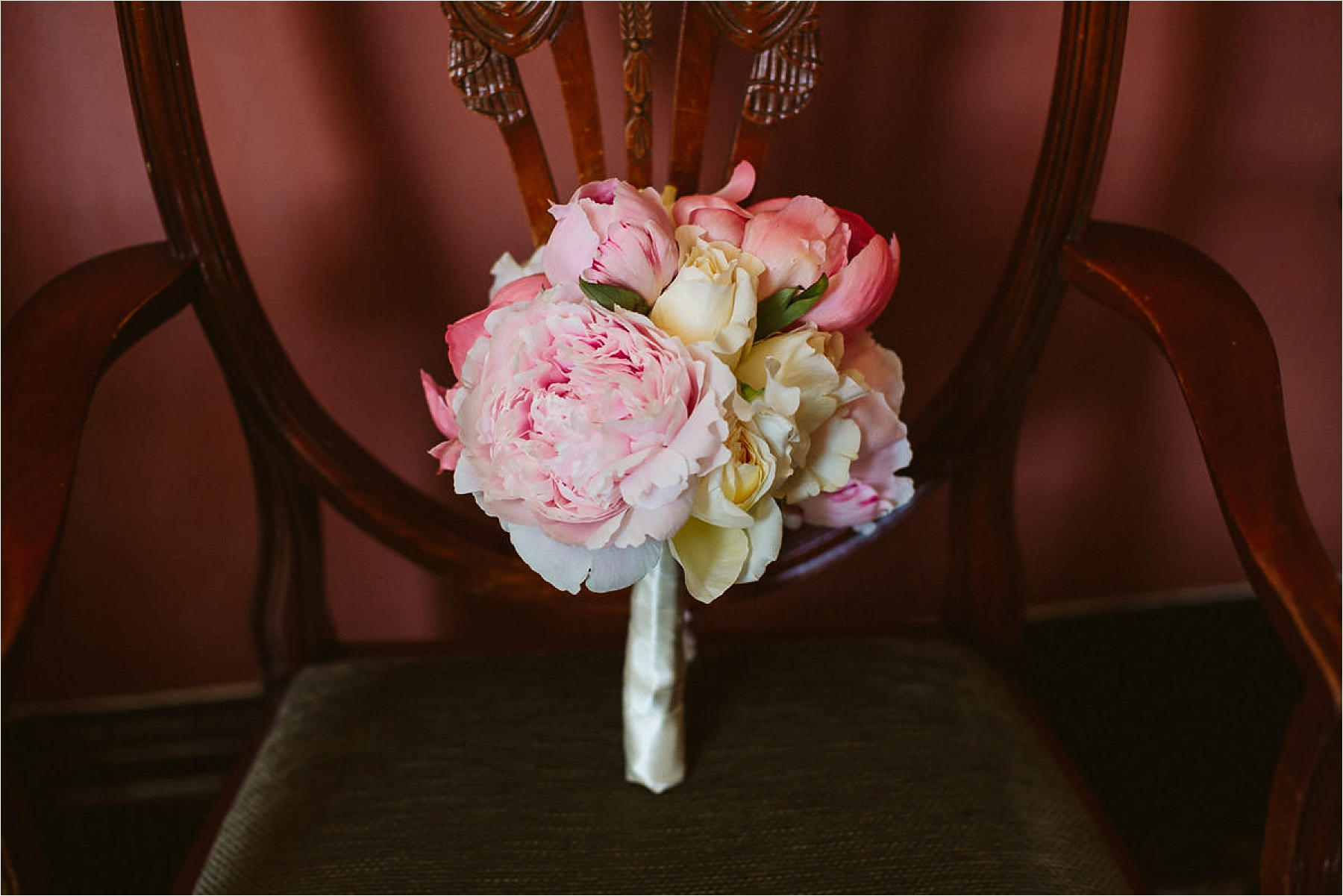 bridal flowers from kensington and chelsea register office wedding