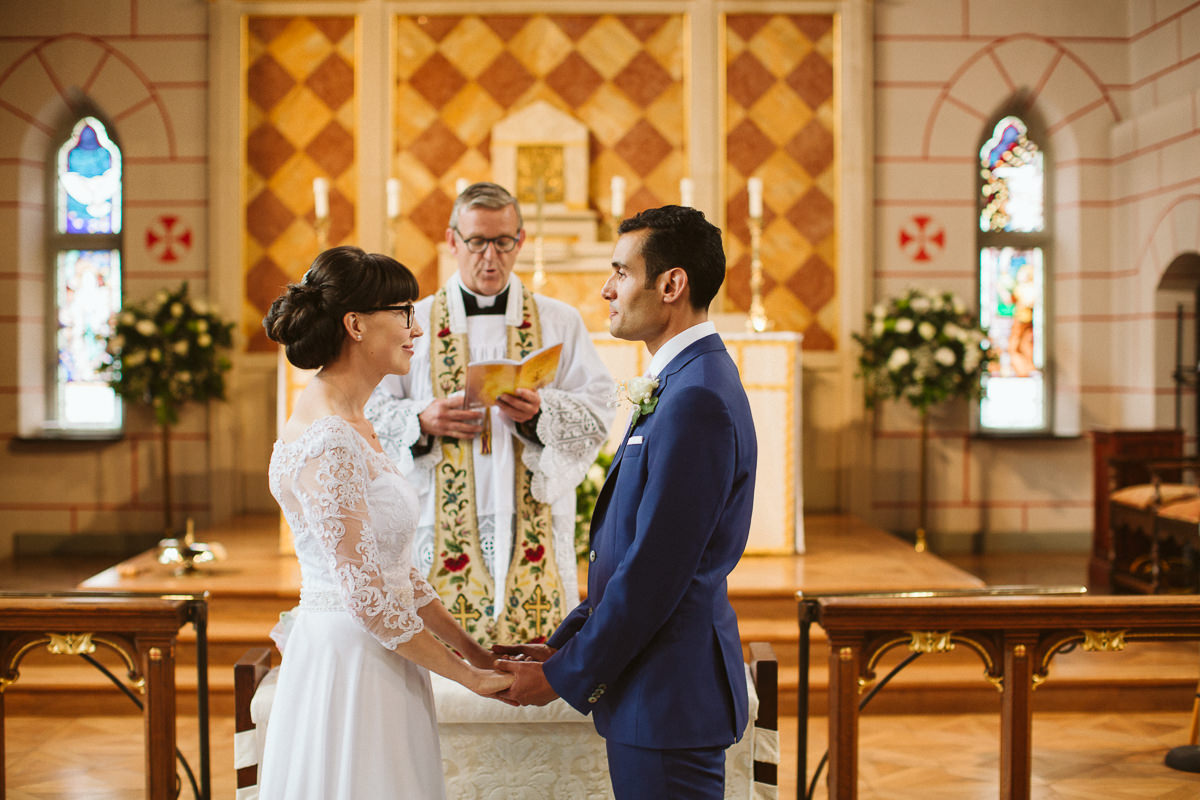 wedding photography at the transfiguration church in Kensal Rise