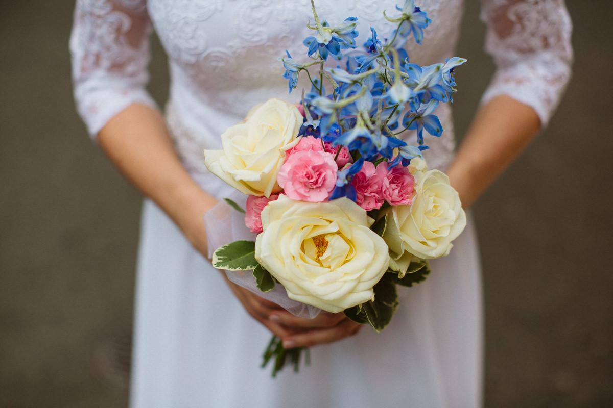 DiY bridal bouquet at a london wedding