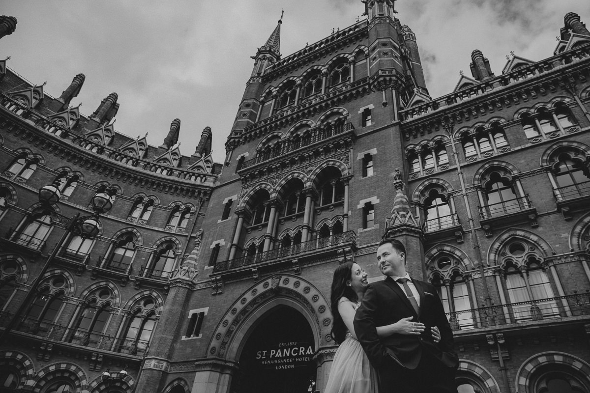 couple photo shoot outside St Pancras Hotel in London
