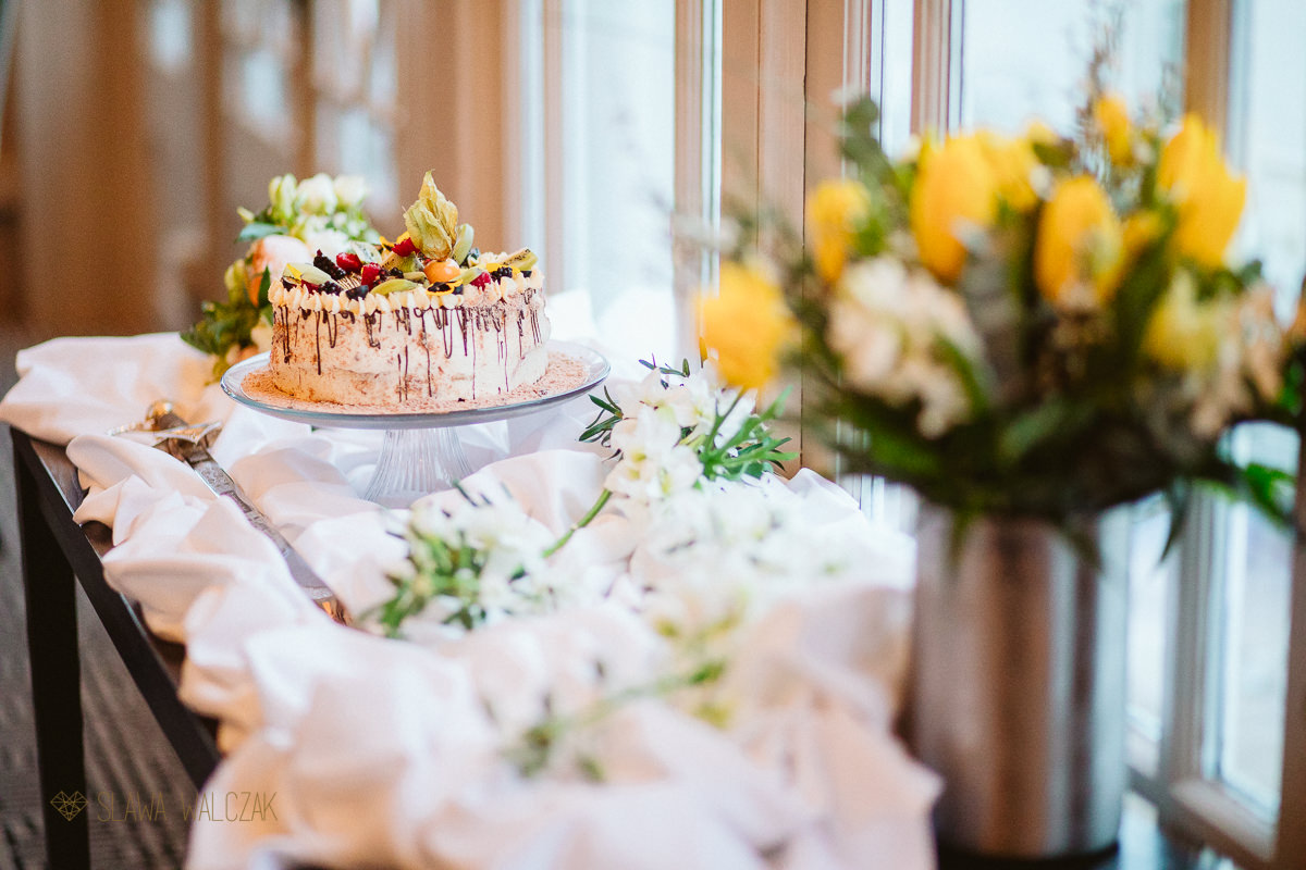 wedding cake at Compleat Angler Hotel in Marlow