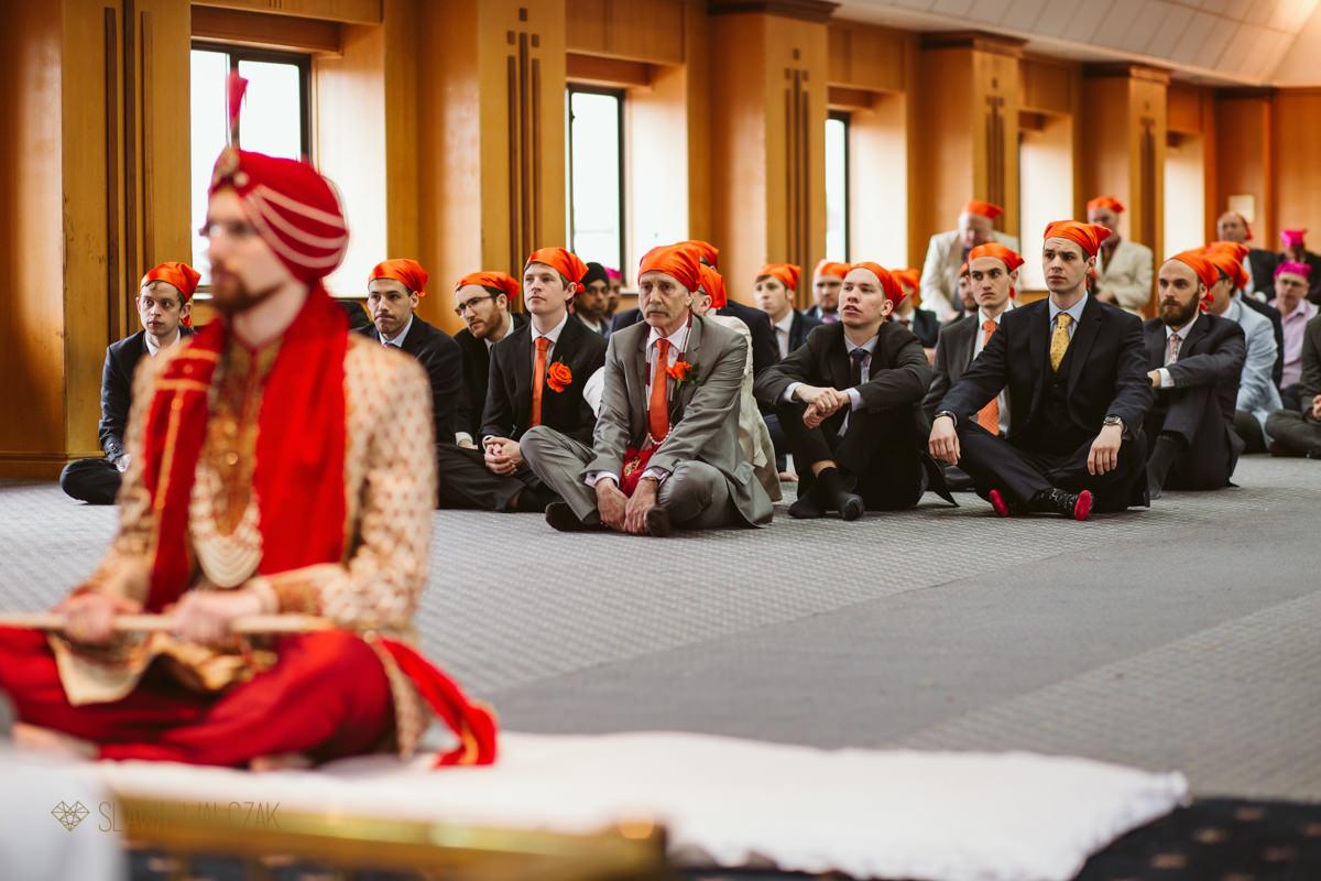 indian sikh wedding photos from Ilford Gurdwara