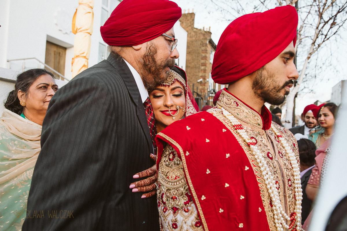 Vidai photography at a Sikh Wedding In Central Gurdwara London