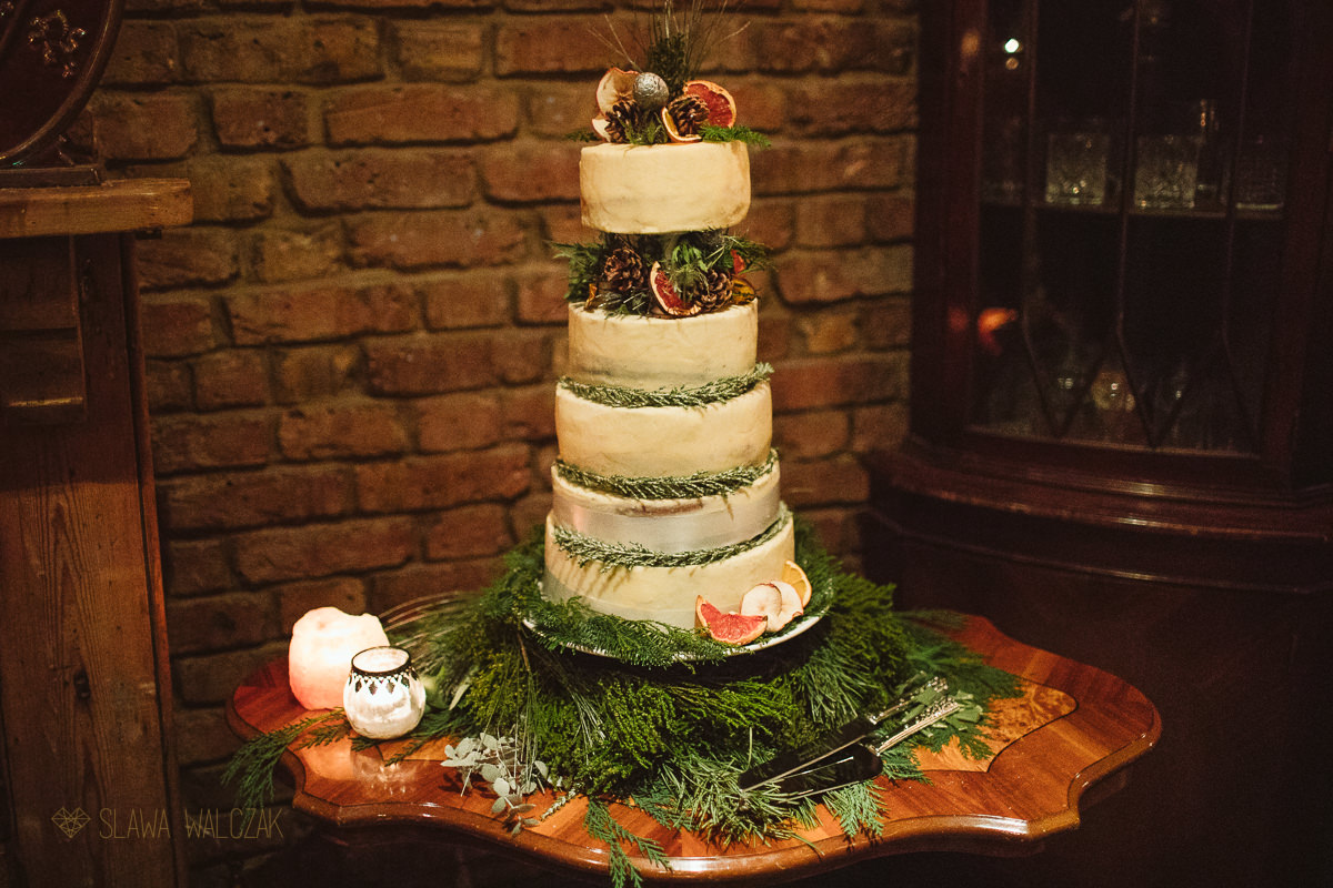wedding cake photo at Powderkeg pub