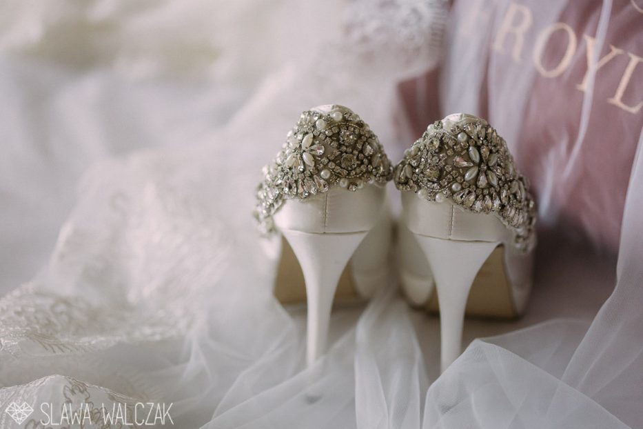 female arab muslim wedding photographer dubai muscat oman
