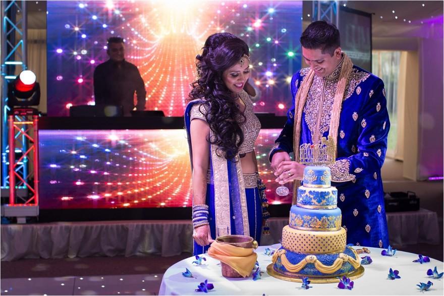 ditton-manor-asian-wedding-cake-cutting_0024