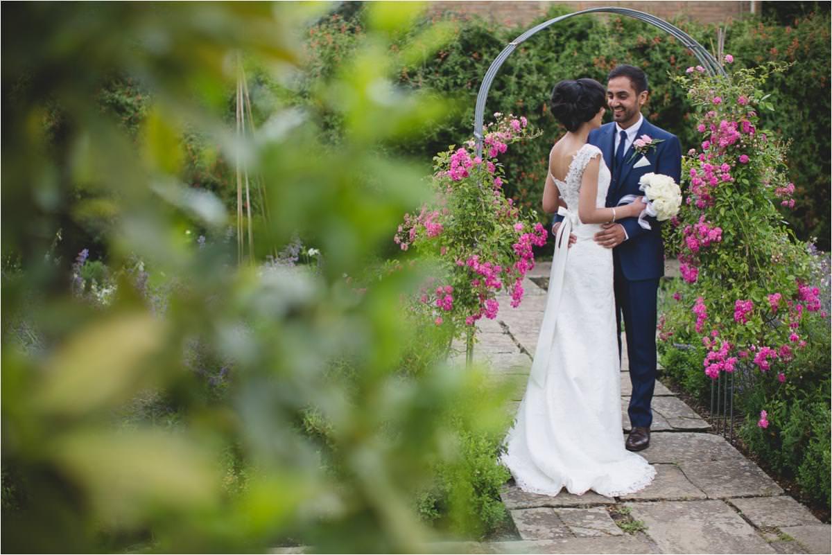 modern-sikh-wedding-photographer-Brooksby-Hall_0041