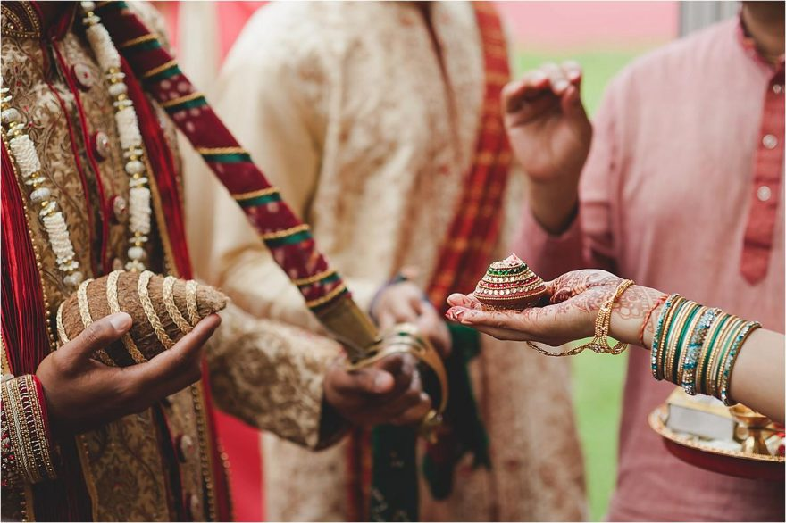 asian-wedding-photographer-bhaktivedenta-manor_0106
