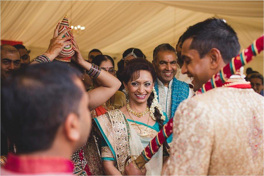 asian-wedding-photographer-bhaktivedenta-manor_0108