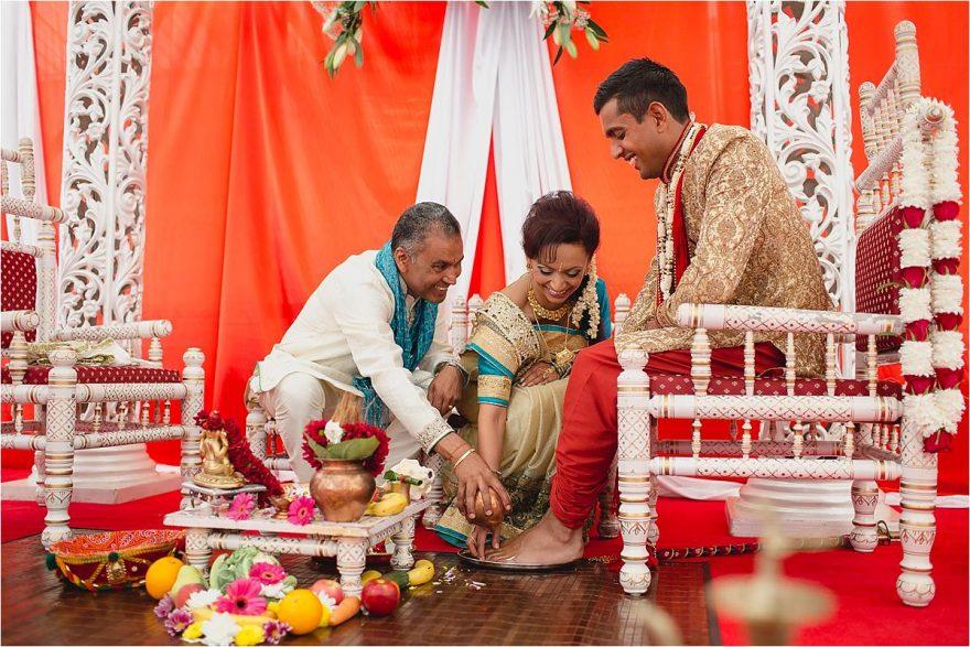 asian-wedding-photographer-bhaktivedenta-manor_0111