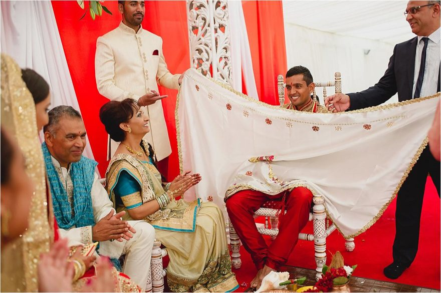 asian-wedding-photographer-bhaktivedenta-manor_0114