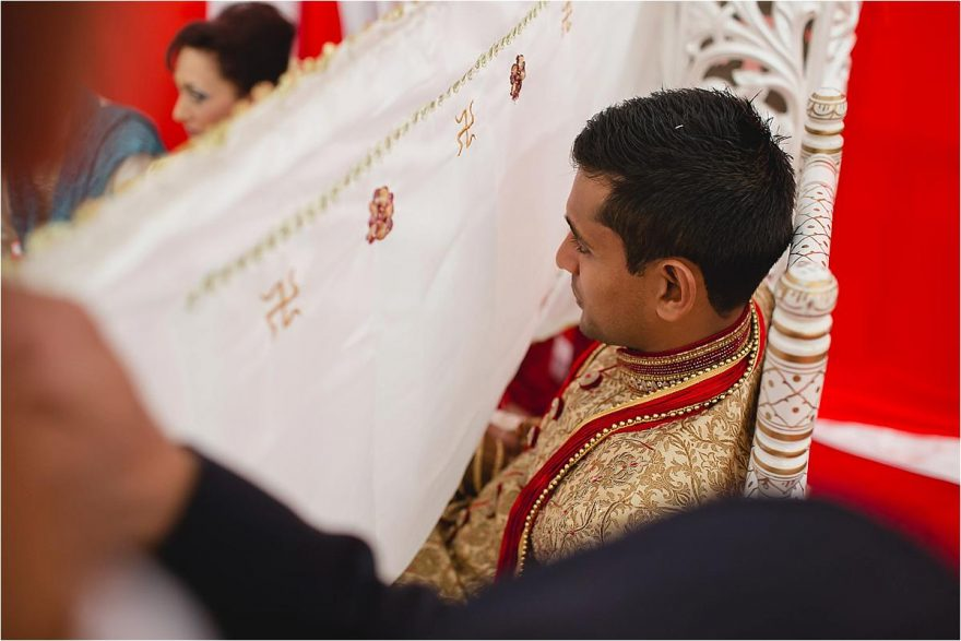 asian-wedding-photographer-bhaktivedenta-manor_0115