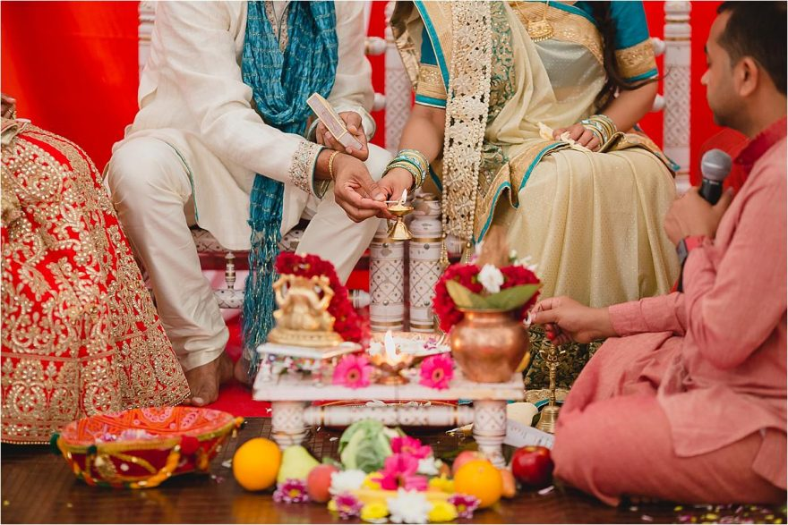 asian-wedding-photographer-bhaktivedenta-manor_0119