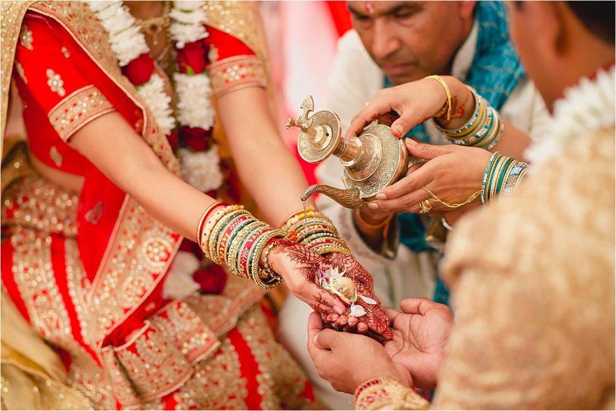asian-wedding-photographer-bhaktivedenta-manor_0122