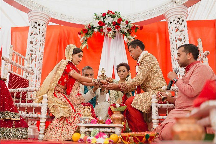 asian-wedding-photographer-bhaktivedenta-manor_0123
