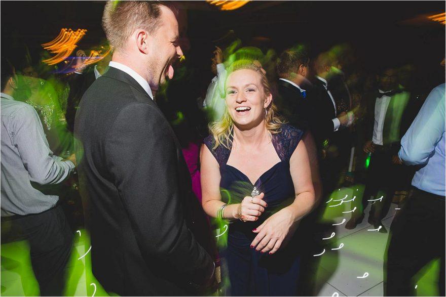 happy wedding dancing photos