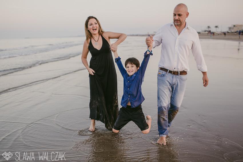 Beach-family-photography-muscat-oman-34