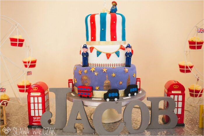 London themed birthday cake