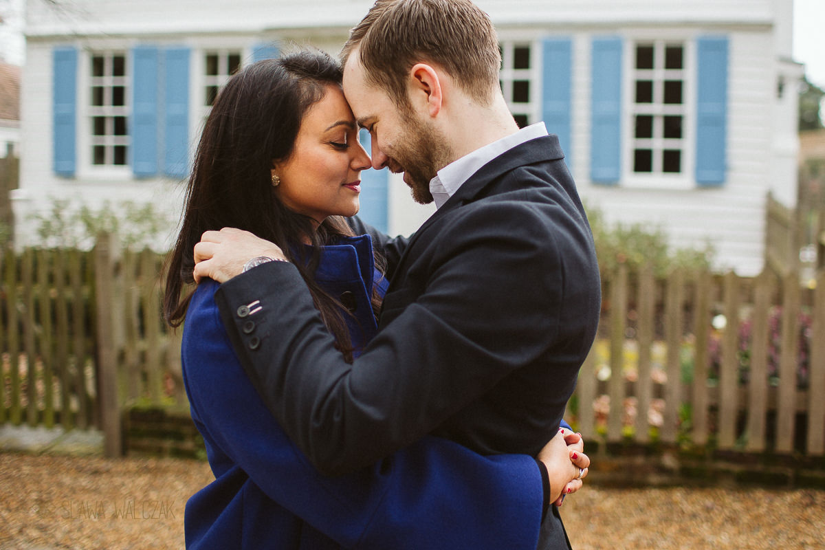 romantic photo from a Dulwich engagement photography