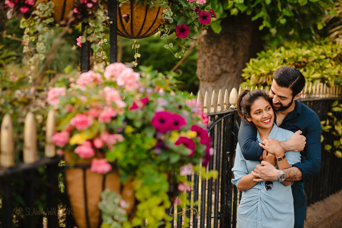 Relaxed London Indian Pre Wedding Photography