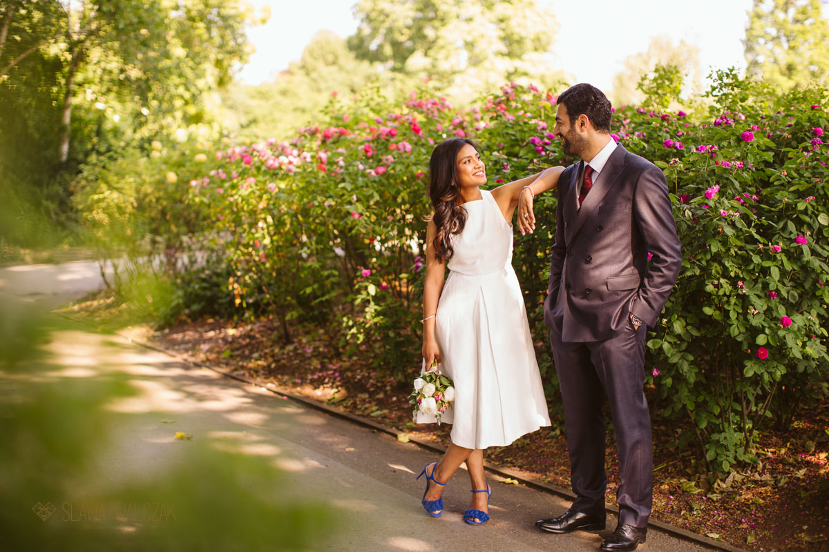 couple photo shoot in Hyde Park after a civil wedding in Old Marylebone Town Hall