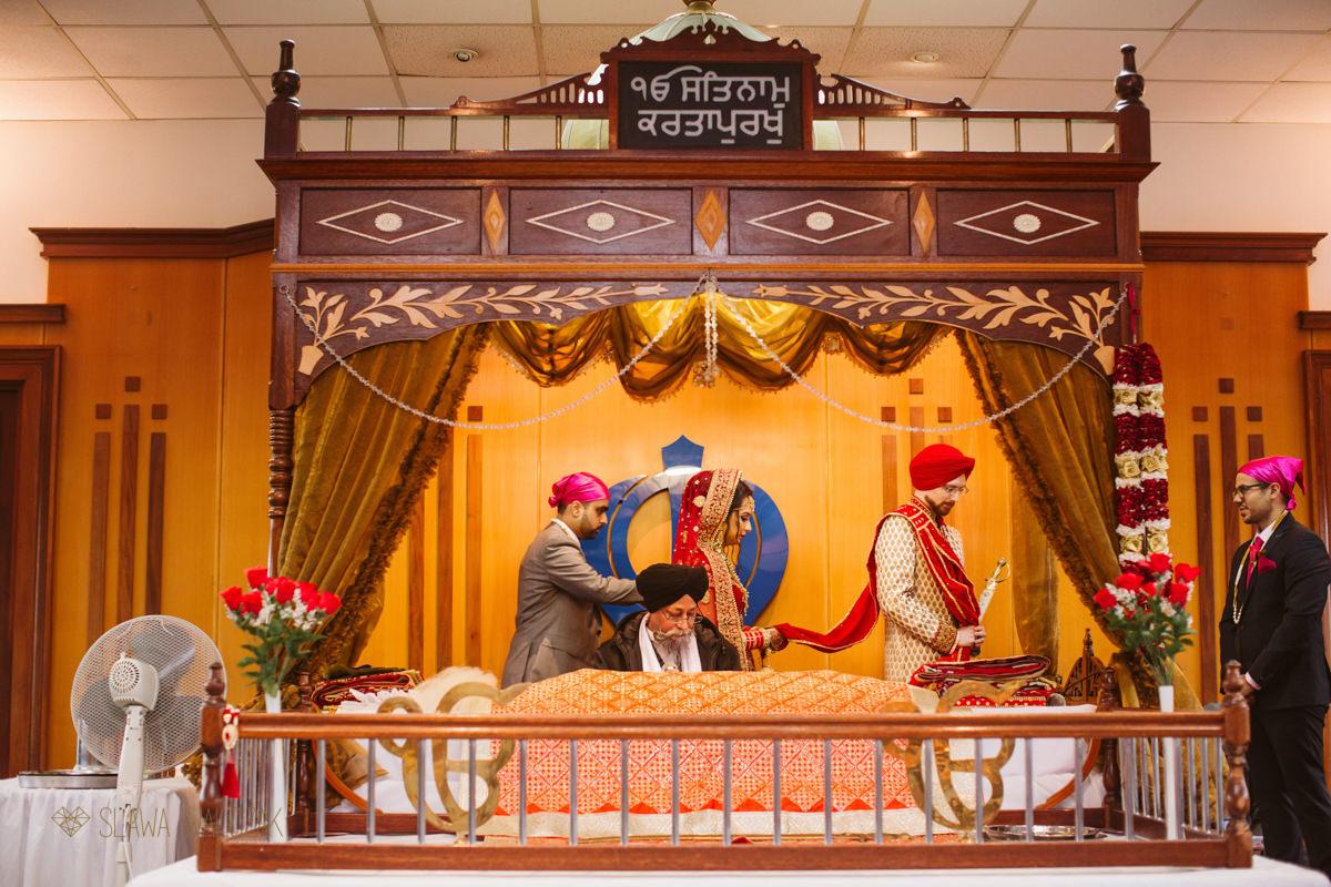 Documentary wedding photography from Ilford Gurdwara