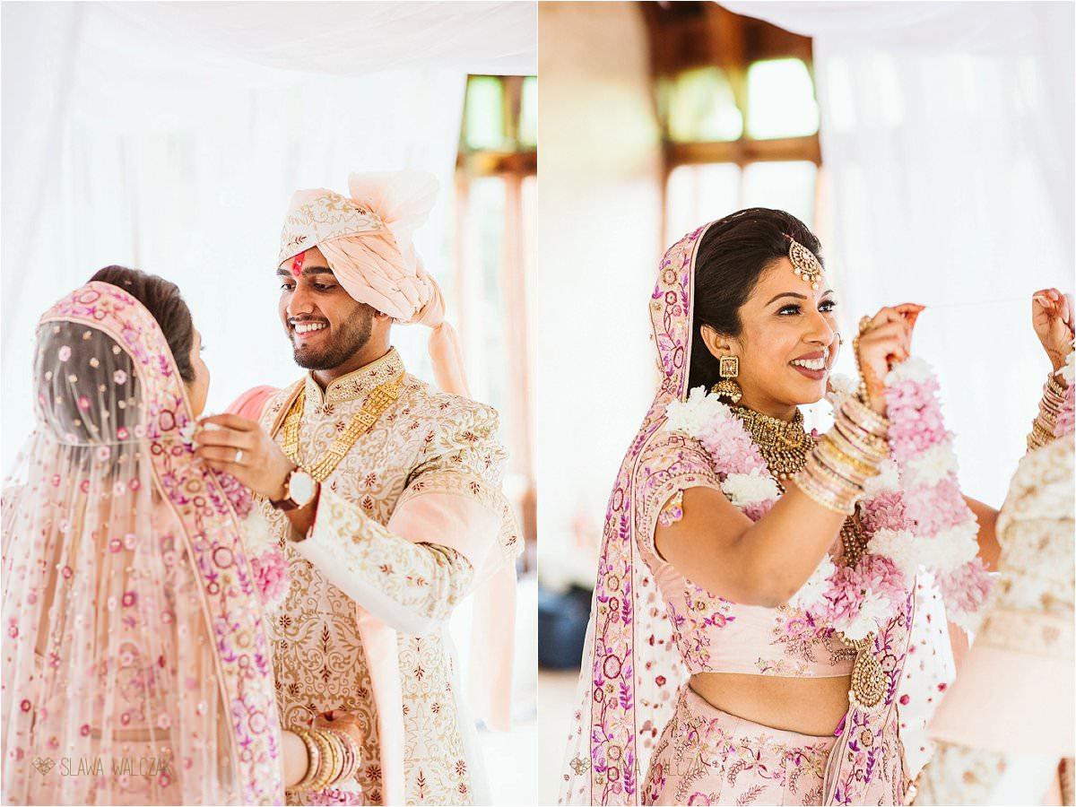 Hindu Wedding Girland Exchange