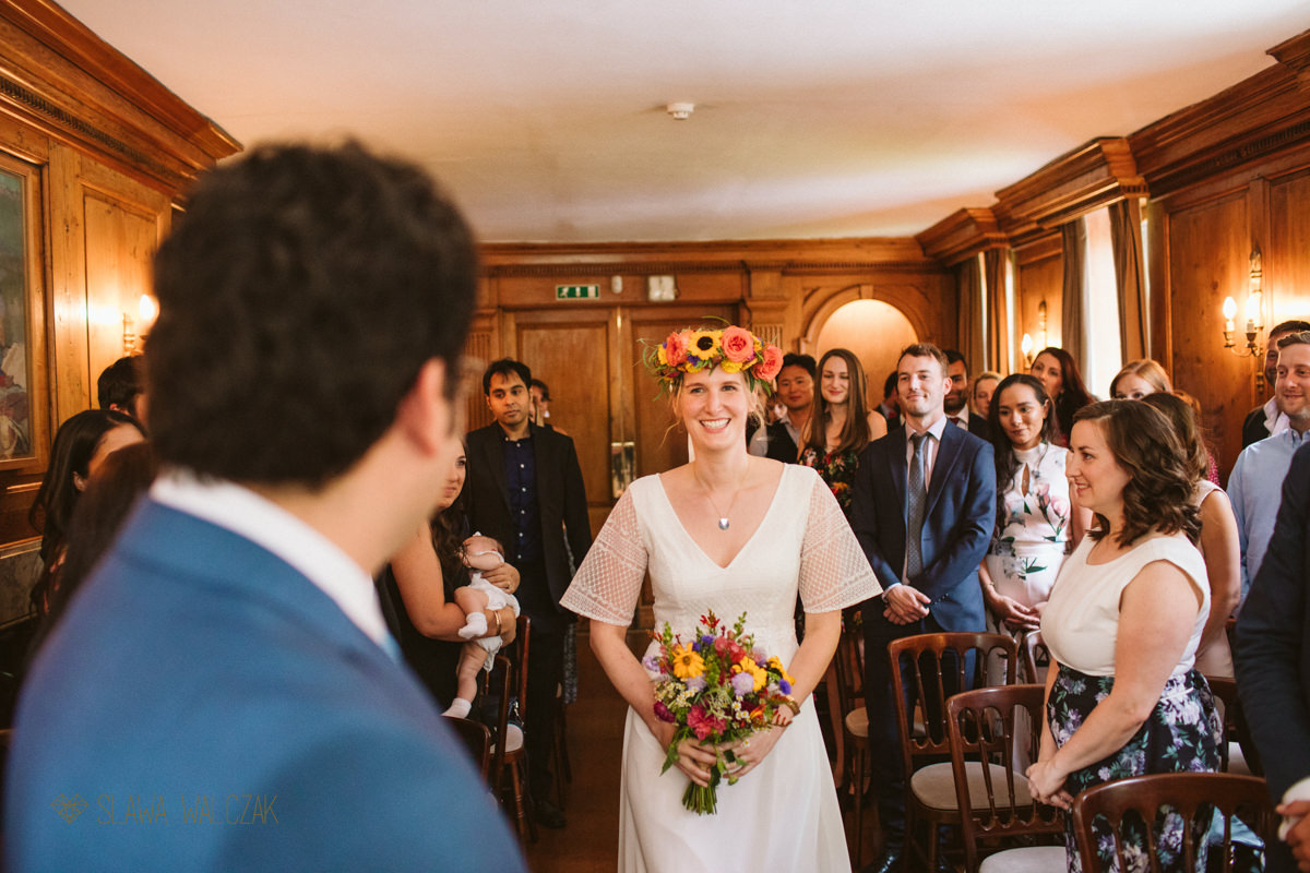 Boho Bride walks down the isle for her wedding in Burgh House