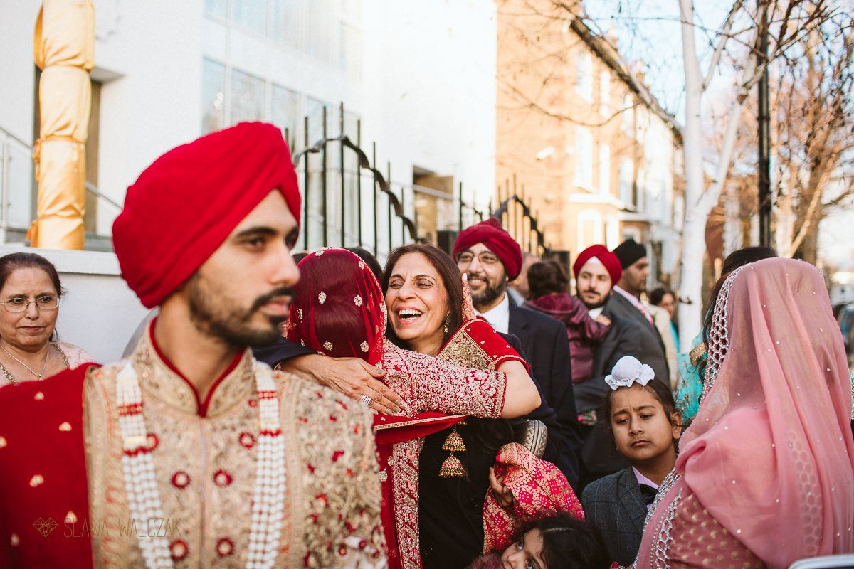 Vidai photography at a Sikh Wedding In Central Gurdwara London