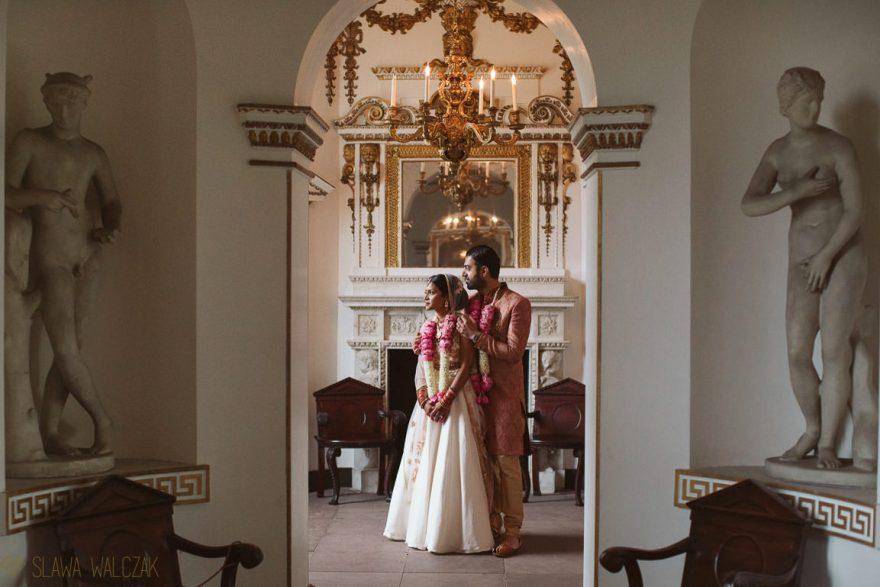 Luxury and elegant wedding photos of a Losnon Asian Couple