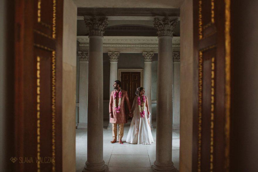 Luxury and elegant wedding photos of a London Asian Couple
